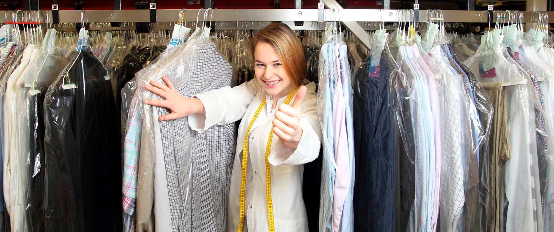 Frau in der Wäscherei