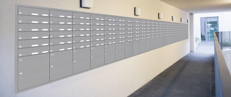 Brief- und Paketkastenanlage vor Ort